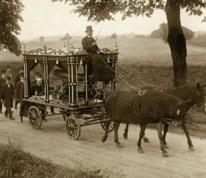 horse-drawn-hearse-e1500994293513